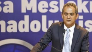 """Milli Eğitim Bakanı Özer, öğrencilerin """"Okullar tatil olacak mı?"""" sorusuna cevap verdi"""