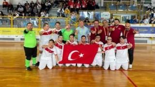 Özel Sporcular Down Futsal Milli Takımı, Avrupa şampiyonu! Kaynak Linki = https://www.davamhaber.com/haber/ozel-sporcular-down-futsal-milli-takimi-avrupa-sampiyonu-8655